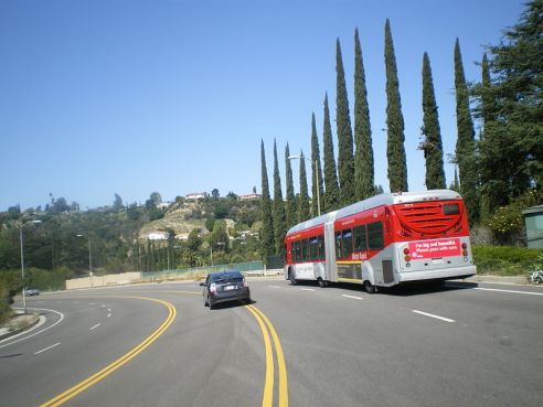 800px-Metro_Red_Line,_Sepulveda_Pass,_San_Fernando_Valley