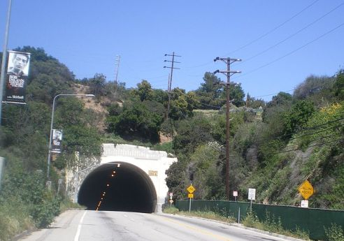 800px-Sepulveda_Boulevard_Tunnel,_Los_Angeles