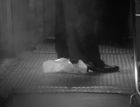 Rigby Reardon (Steve Martin) is followed onto the train byCary Grant(spliced with a clip fromAlfred Hitchcock's Suspicion)