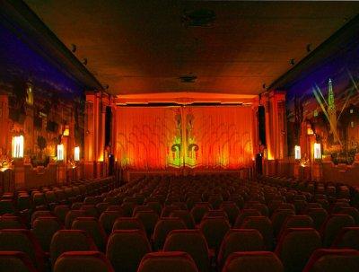 crest-theatre-interio