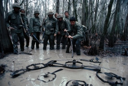 southern-comfort-1981-001-men-traps-swamp-00n-f0n